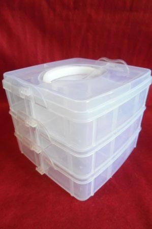 Gyöngytartó, gyöngy tároló műanyag doboz, emeletes szögletes (16*15*13 cm), fogantyús