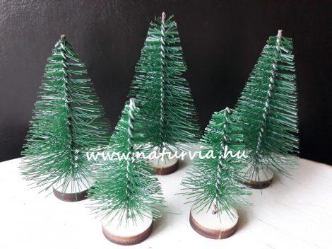 Mini fenyő / fenyőfa szett (5 db/szett), fa talpon ZÖLD (2db 4 cm-es, 3db 6 cm-es)