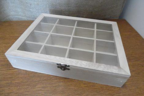 Rekeszes fa tároló, gyöngyös doboz átlátszó tetővel (27 * 21 * 5 cm) DÍSZÍTHETŐ FA TÁRGY