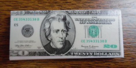 Radír, dolláros 20