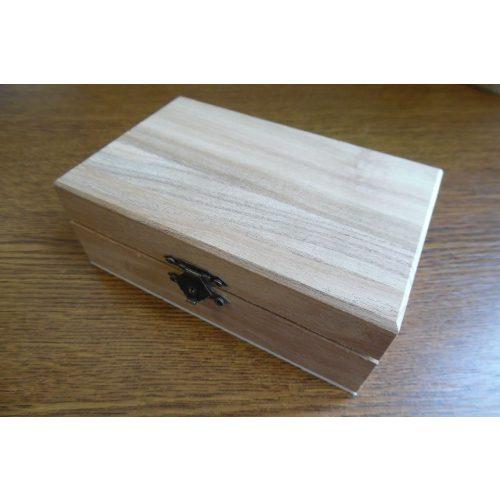 Fa doboz, fém csatos, TÉGLALAP alakú (14*9*5 cm)
